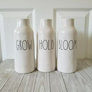 Rae Dunn BLOOM GROW HOLD. Matte Vase Set